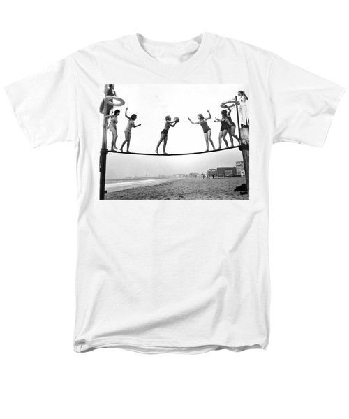 Women Play Beach Basketball Men's T-Shirt  (Regular Fit) by Underwood Archives