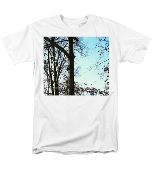Men's T-Shirt  (Regular Fit) featuring the photograph Crows In For Landing by Pamela Hyde Wilson