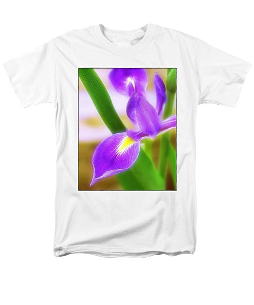 Iris On Pointe Men's T-Shirt  (Regular Fit) by Judi Bagwell