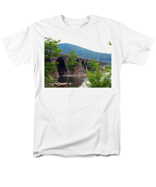 The Great Old Bridge Men's T-Shirt  (Regular Fit) by Robert Margetts