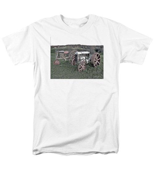 1923 Fordson Tractors Men's T-Shirt  (Regular Fit)