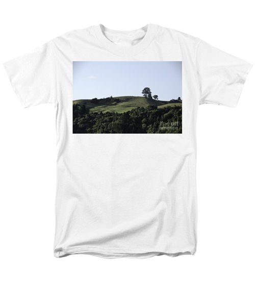Somewhere In New Zealand Men's T-Shirt  (Regular Fit) by Yurix Sardinelly