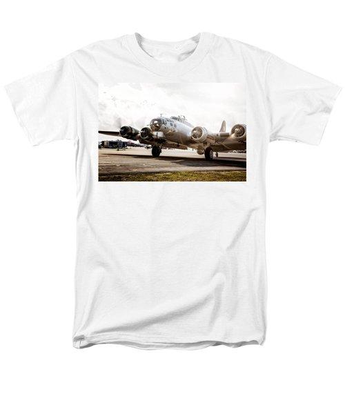 B-17 Bomber Ready For Takeoff Men's T-Shirt  (Regular Fit)