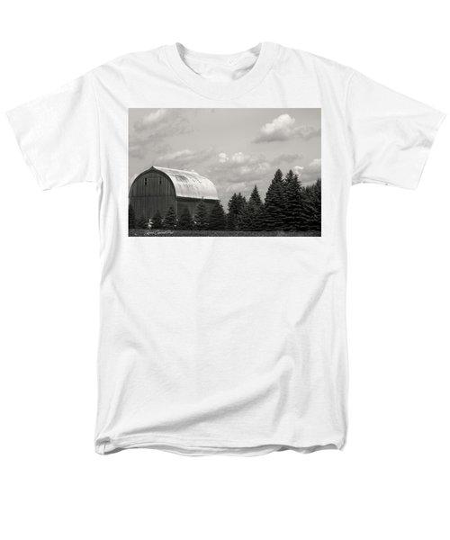 Black And White Barn Men's T-Shirt  (Regular Fit)