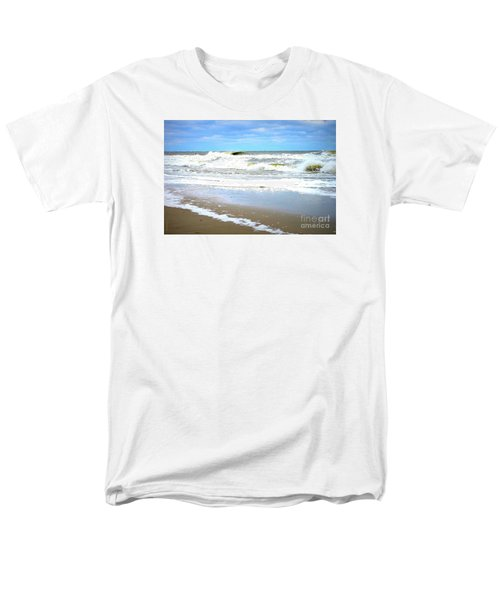 Men's T-Shirt  (Regular Fit) featuring the photograph Catch A Wave by Shelia Kempf