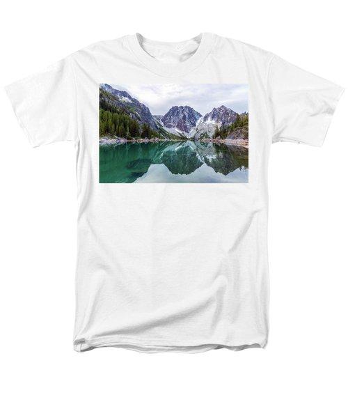 Colchuck Lake Men's T-Shirt  (Regular Fit) by Evgeny Vasenev