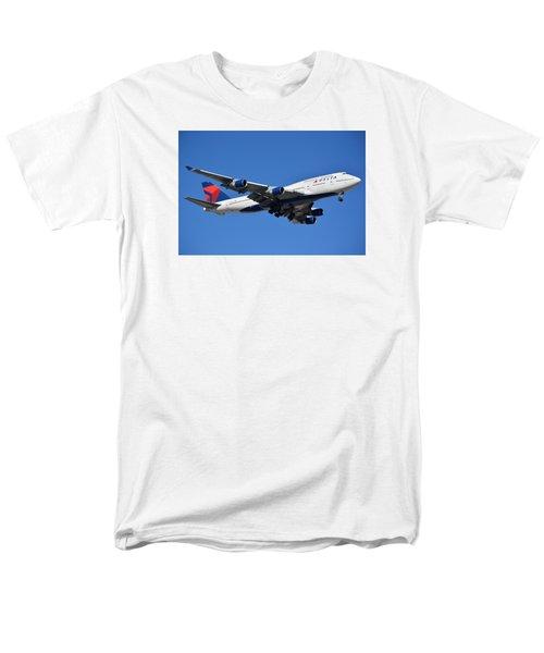 Delta Boeing 747-451 N662us Phoenix Sky Harbor January 12 2015 Men's T-Shirt  (Regular Fit) by Brian Lockett