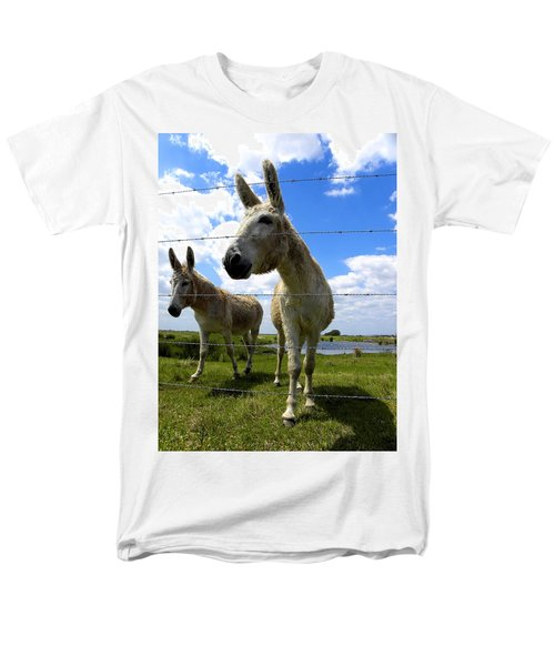 Men's T-Shirt  (Regular Fit) featuring the photograph Don't Fence Me In 001 by Chris Mercer