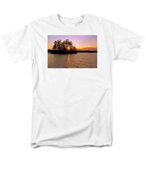 Men's T-Shirt  (Regular Fit) featuring the photograph Enchantment by Lynda Lehmann