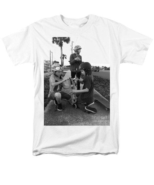 Fixing A Skooter Men's T-Shirt  (Regular Fit) by WaLdEmAr BoRrErO