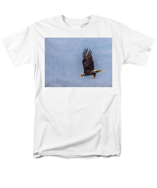 Men's T-Shirt  (Regular Fit) featuring the photograph Flying With His Mouth Full.  by Timothy Latta