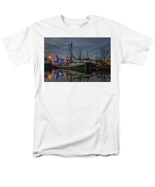 Men's T-Shirt  (Regular Fit) featuring the photograph Full House 2 by Randy Hall