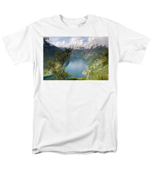 Geirangerfjord With Birch Men's T-Shirt  (Regular Fit)