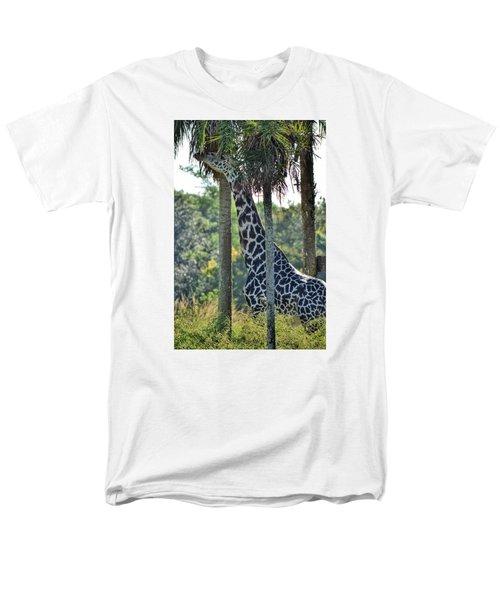 Giraffe Men's T-Shirt  (Regular Fit)