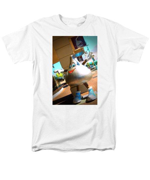 Hershey Niagara Men's T-Shirt  (Regular Fit) by Bob Pardue