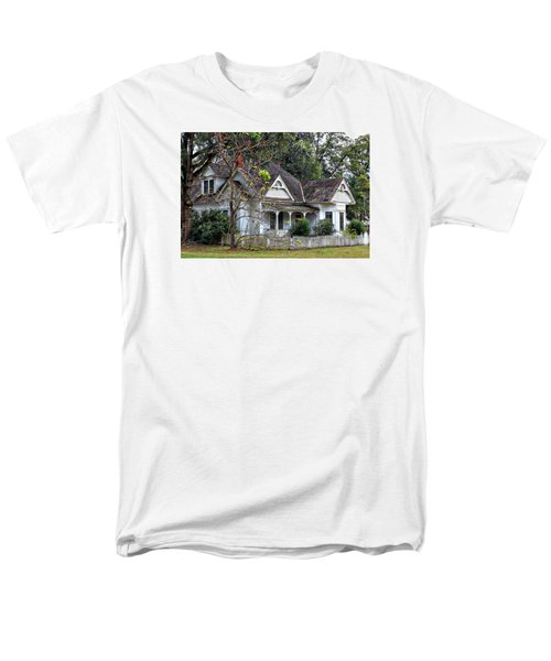 House With A Picket Fence Men's T-Shirt  (Regular Fit)