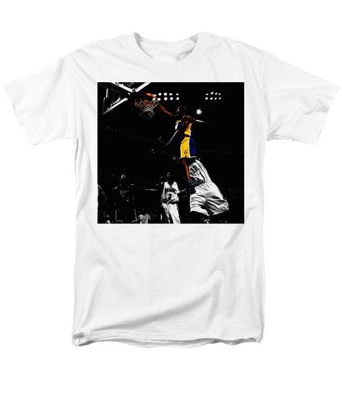 Kobe Bryant On Top Of Dwight Howard Men's T-Shirt  (Regular Fit) by Brian Reaves
