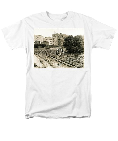Men's T-Shirt  (Regular Fit) featuring the photograph Last Working Farm In Manhattan by Cole Thompson