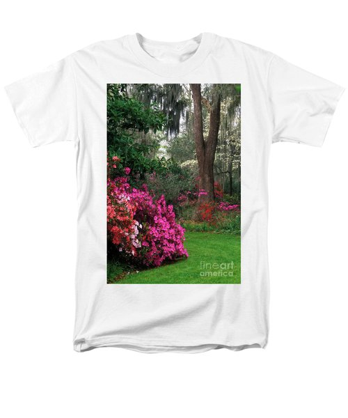Men's T-Shirt  (Regular Fit) featuring the photograph Magnolia Plantation - Fs000148a by Daniel Dempster