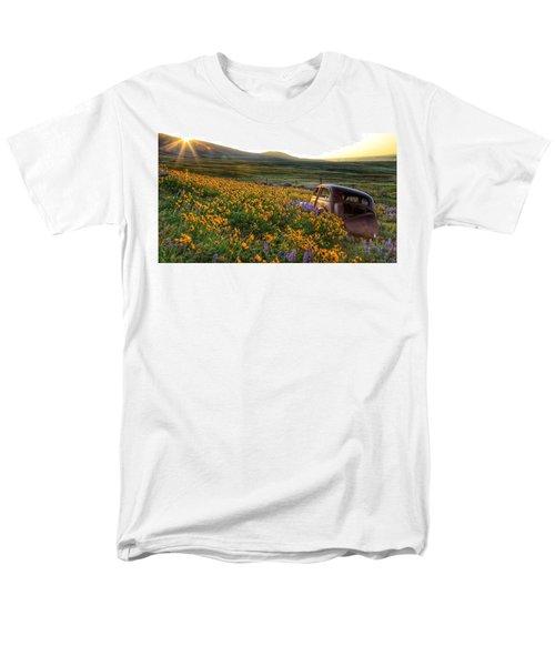 Morning Light On The Old Rusty Car Men's T-Shirt  (Regular Fit) by Lynn Hopwood