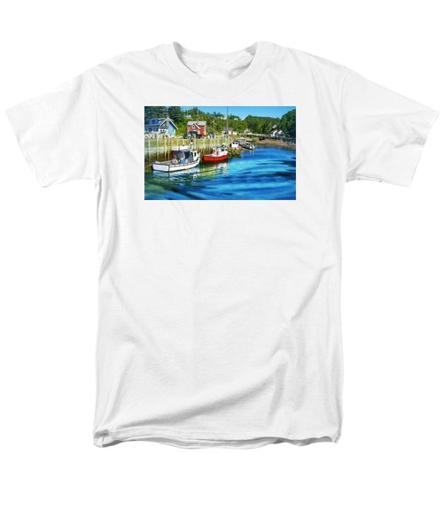 Nova Scotia Men's T-Shirt  (Regular Fit) by Robin Regan