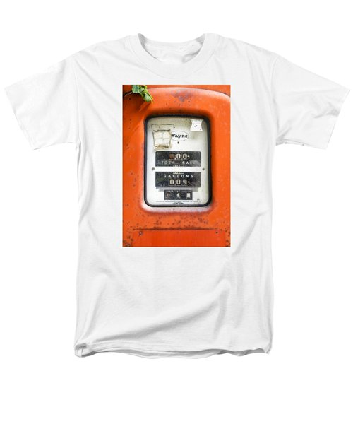 Men's T-Shirt  (Regular Fit) featuring the photograph Old Gas Pump by Tom Singleton