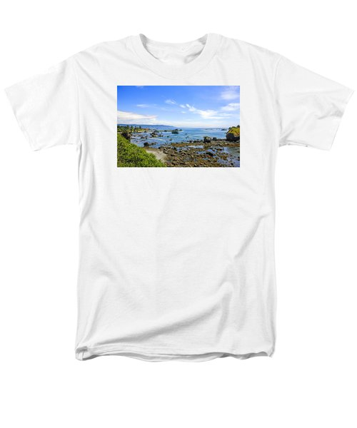 Pacific Northwest Men's T-Shirt  (Regular Fit) by Chris Smith