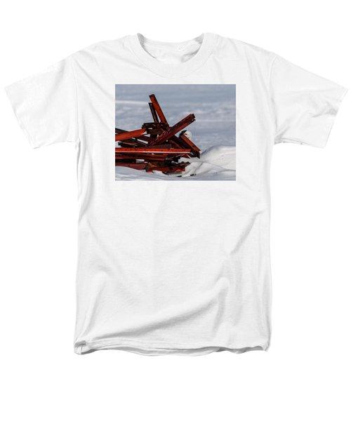 Men's T-Shirt  (Regular Fit) featuring the photograph Peek-a-boo by Dan Traun