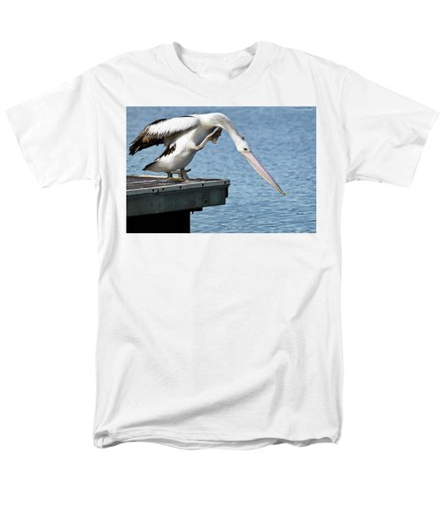 Pelican Beauty 66633 Men's T-Shirt  (Regular Fit) by Kevin Chippindall