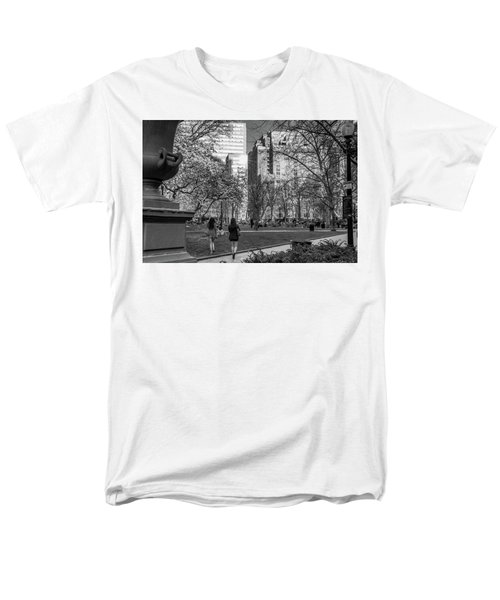 Philadelphia Street Photography - 0902 Men's T-Shirt  (Regular Fit) by David Sutton