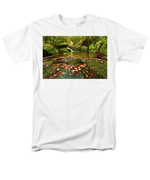 Men's T-Shirt  (Regular Fit) featuring the photograph Red And Green by Jorge Maia