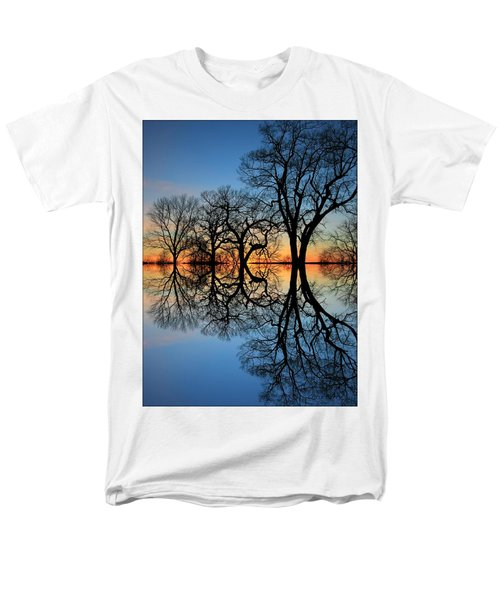 Men's T-Shirt  (Regular Fit) featuring the photograph Reflecting On Tonight by Chris Berry