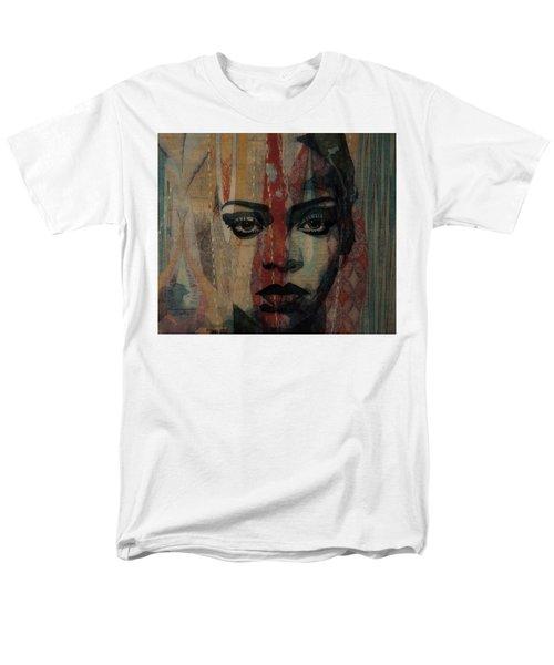 Rihanna - Diamonds Men's T-Shirt  (Regular Fit)