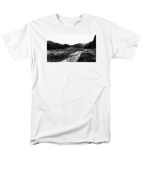 Men's T-Shirt  (Regular Fit) featuring the photograph Road by Hayato Matsumoto