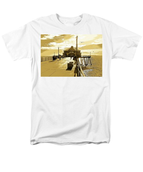 Ruby's At The Pier Men's T-Shirt  (Regular Fit) by Everette McMahan jr