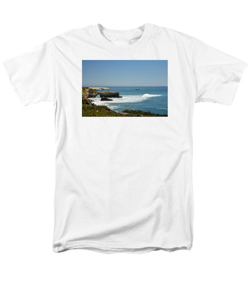 Steamer Lane, Santa Cruz Men's T-Shirt  (Regular Fit) by Antonia Citrino