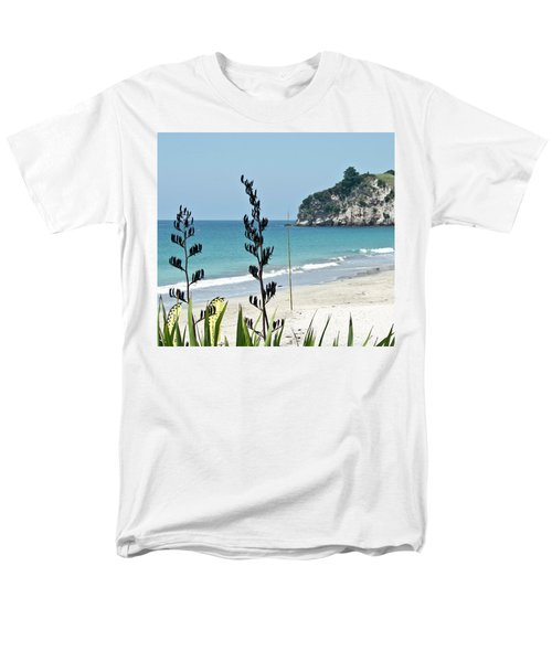 Summer New Zealand Beach Men's T-Shirt  (Regular Fit) by Yurix Sardinelly