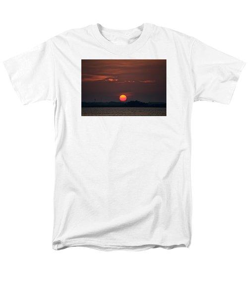 Sunset In Biloxi 2 Men's T-Shirt  (Regular Fit) by Cathy Jourdan