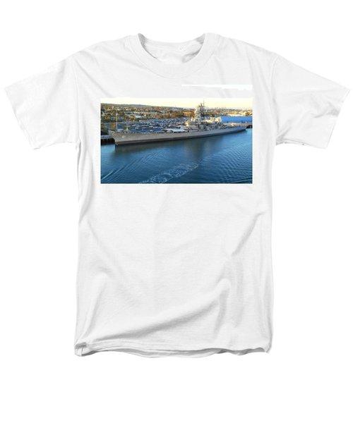 Men's T-Shirt  (Regular Fit) featuring the photograph The Iowa At Sunset by Joe Kozlowski