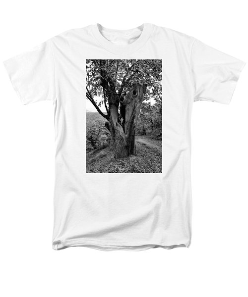 The Maltreated One Men's T-Shirt  (Regular Fit) by Goyo Ambrosio