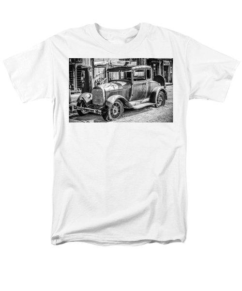 The Old Model Men's T-Shirt  (Regular Fit) by Marius Sipa
