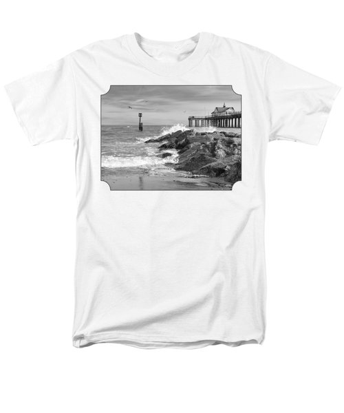 Tide's Turning - Black And White - Southwold Pier Men's T-Shirt  (Regular Fit) by Gill Billington