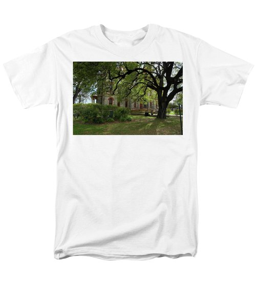 Men's T-Shirt  (Regular Fit) featuring the photograph Under The Tree F5622a by Ricardo J Ruiz de Porras