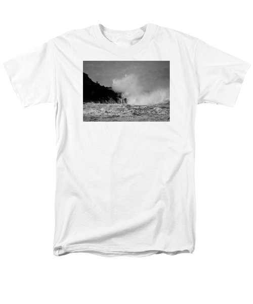Men's T-Shirt  (Regular Fit) featuring the photograph Wave Watching by Roy McPeak