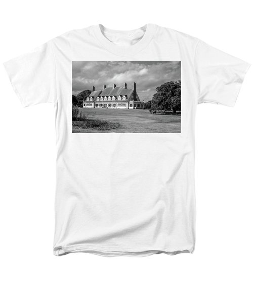 Whalehead Club Men's T-Shirt  (Regular Fit) by David Sutton