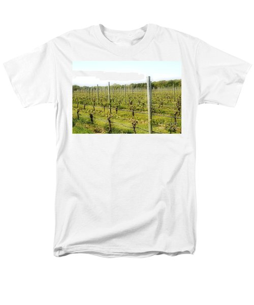 Wineries, Long Island, Ny Men's T-Shirt  (Regular Fit)