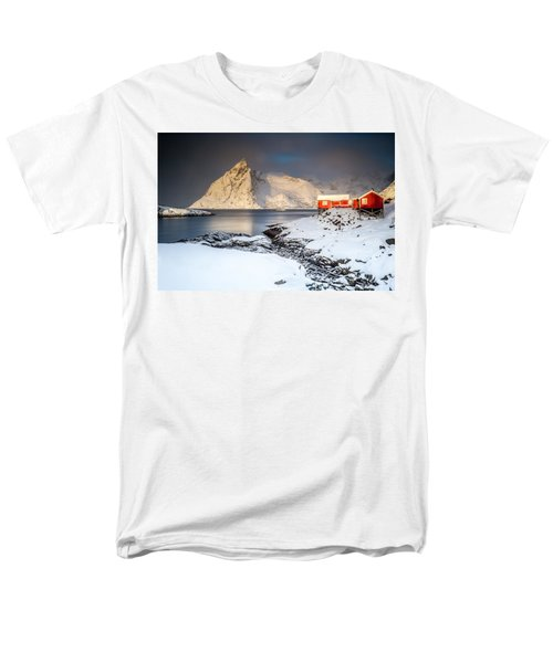 Winter In Lofoten Men's T-Shirt  (Regular Fit)