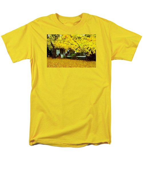 Men's T-Shirt  (Regular Fit) featuring the photograph Autumn Homestead by Rodney Lee Williams