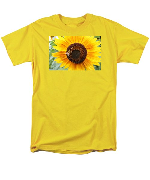 Honeybee On Small Sunflower Men's T-Shirt  (Regular Fit) by Lucinda VanVleck