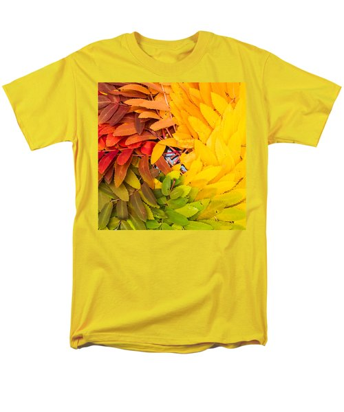 Men's T-Shirt  (Regular Fit) featuring the photograph In Living Color by Aaron Aldrich